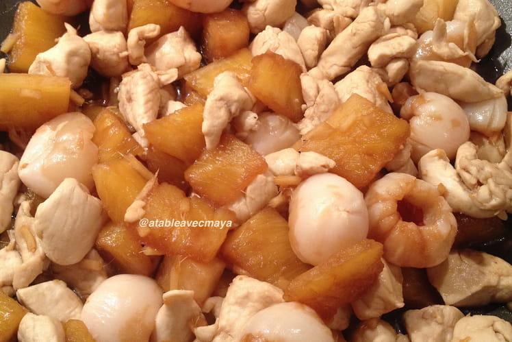 Wok de poulet aux ananas et litchis