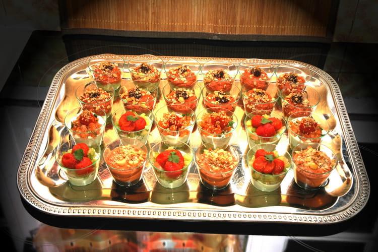 Verrines de mousse d'avocat et de tomates confites