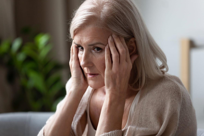 Signes d'Alzheimer: au début, physiques, neurologiques, de fin de vie