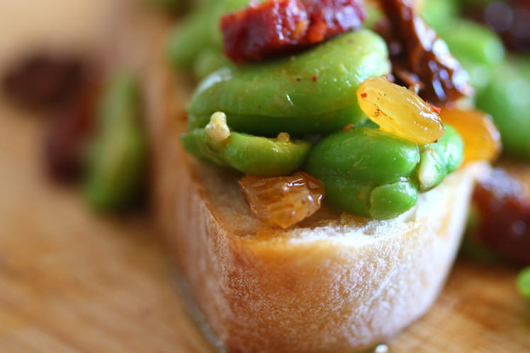 La tartine gourmande : fèves, chorizo et pointe d'ail