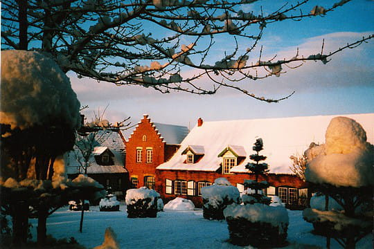 Chambre sur cour sous la neige