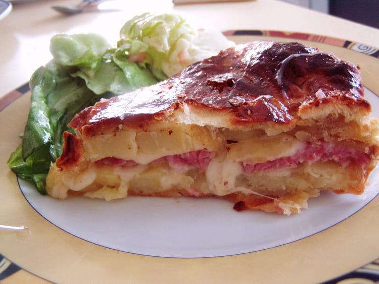 Recette de tourte traditionnelle francomtoise la recette - Cuisiner saucisse de morteau ...