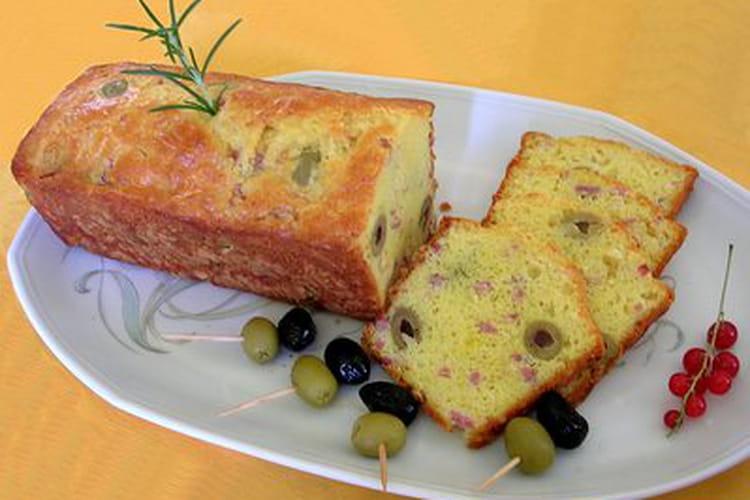 Cake aux olives et gruyère