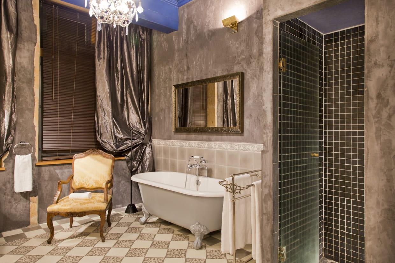 Confort contemporain et charme de l 39 ancien for Salle de bain hotel 5 etoiles