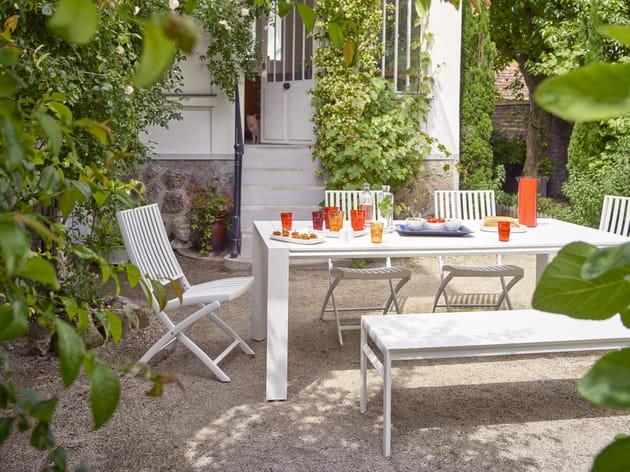 mobilier de jardin blanche d 39 habitat. Black Bedroom Furniture Sets. Home Design Ideas