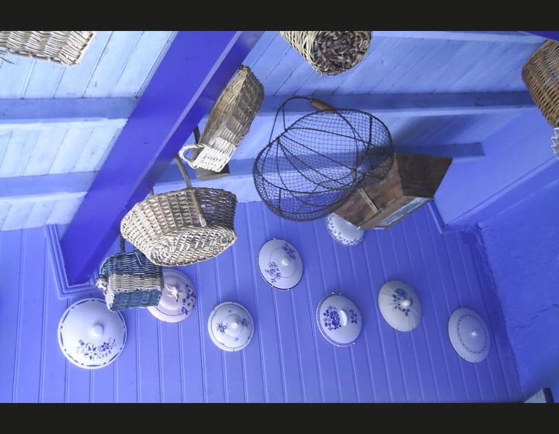 Du bleu, du sol au plafond