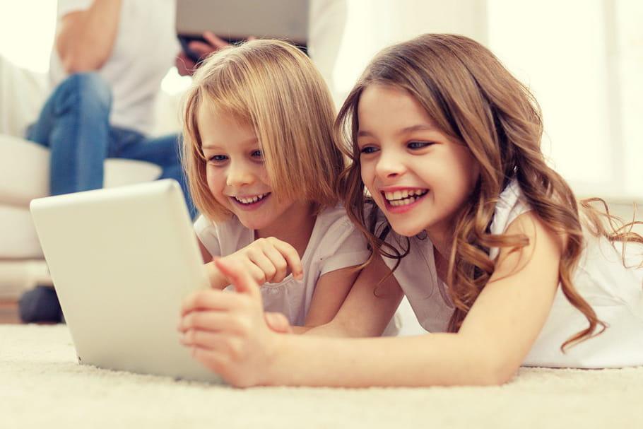 Enfants YouTubeurs: faut-il poser des limites?