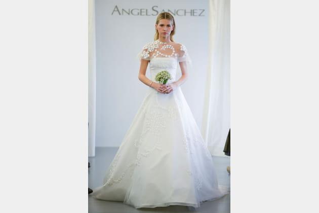 La robe classique Angel Sanchez
