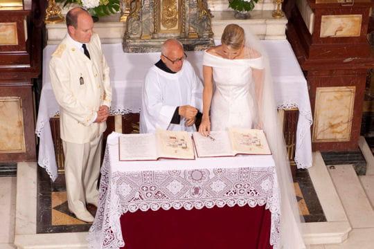 La signature des mariés