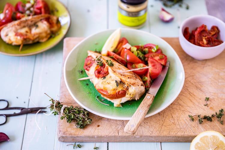 Escalopes de poulet farcies aux tomates confites et moutarde