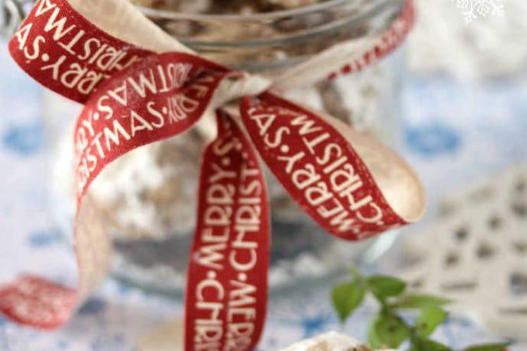Bredeles craquelés poudre d'amande, chocolat et cannelle