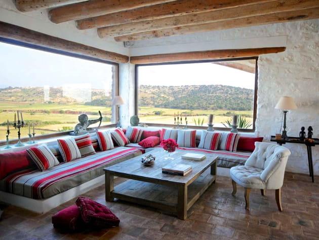 salon avec vue sur la campagne marocaine