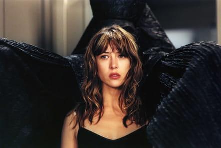 """En 2001, dans """"Bélphégor, le fantôme du Louvre"""""""