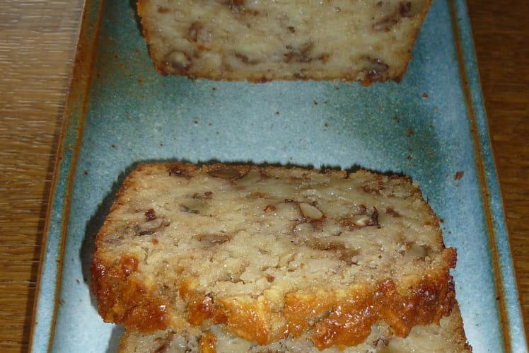 Cake aux pommes, noix et cannelle