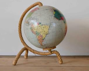 globe terrestre éclairant de la brocante de la bruyère
