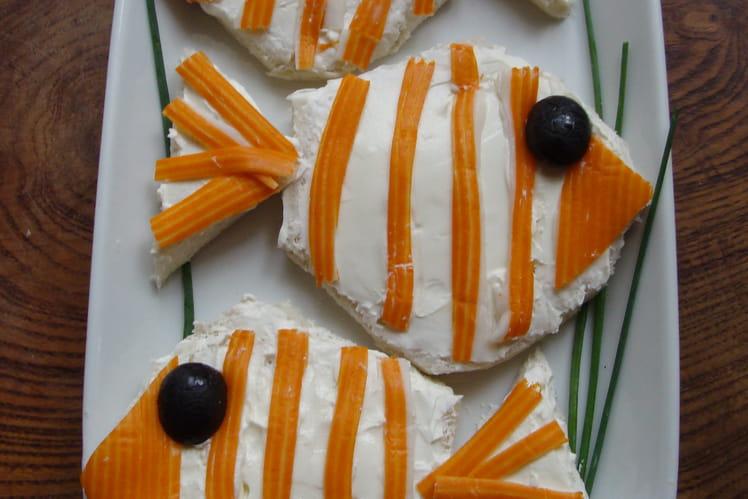 Tartines de fromage frais et surimi, façon poisson clown