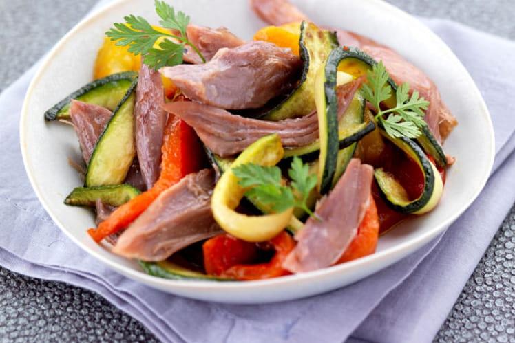 Salade de confit de canard aux légumes grillés