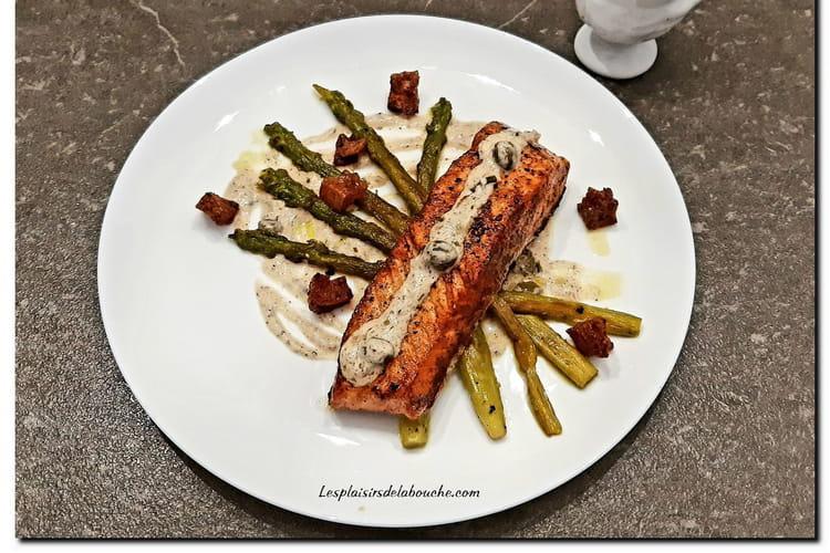 Saumon et asperges poêlés sauce grenobloise améliorée