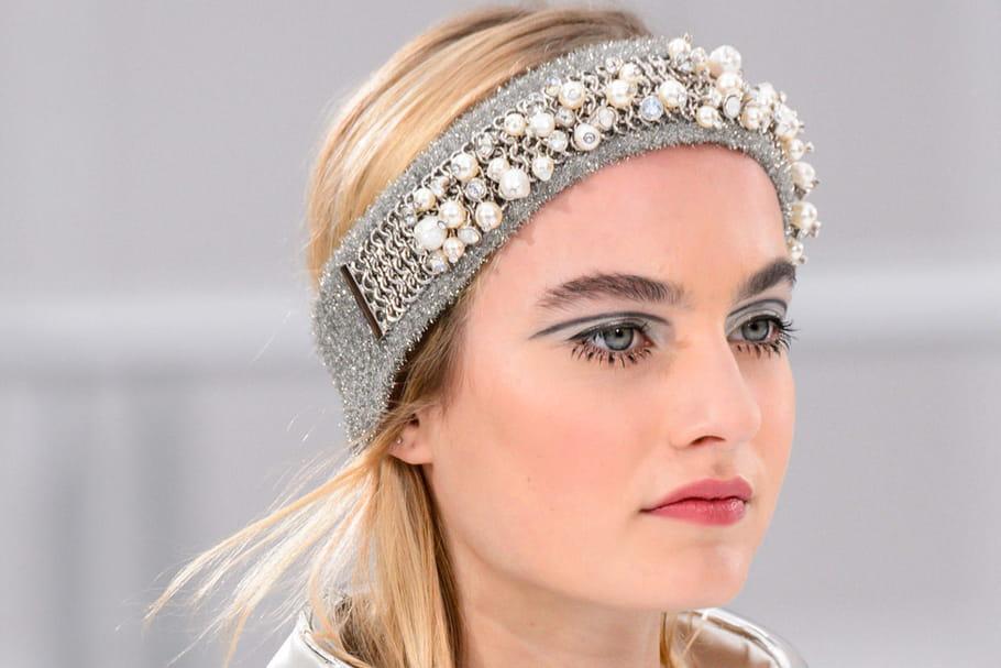 Le maquillage futuriste du défilé Chanel