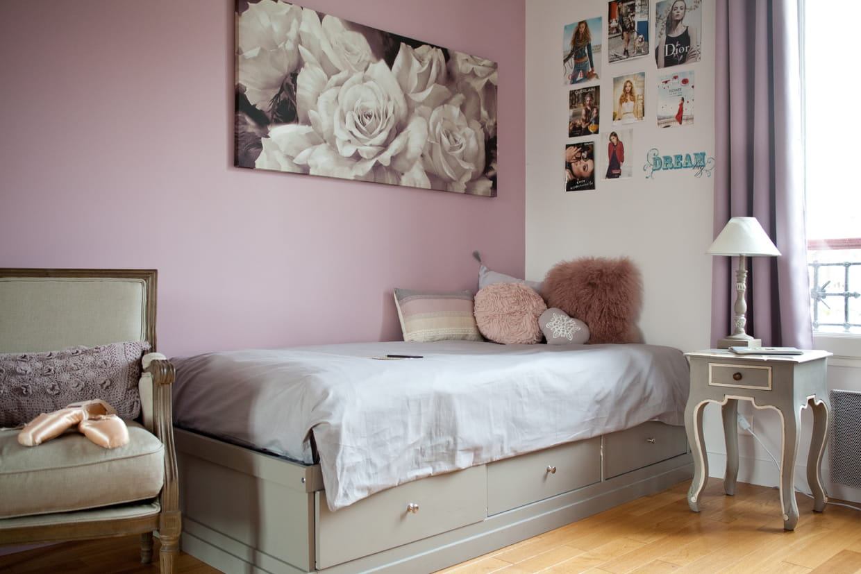 une chambre de fille entre vieux rose et gris patin. Black Bedroom Furniture Sets. Home Design Ideas