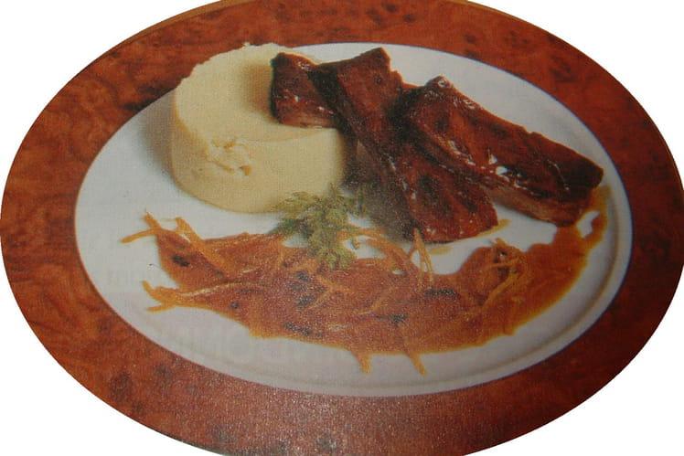 Travers de porc laqué au miel et au gingembre