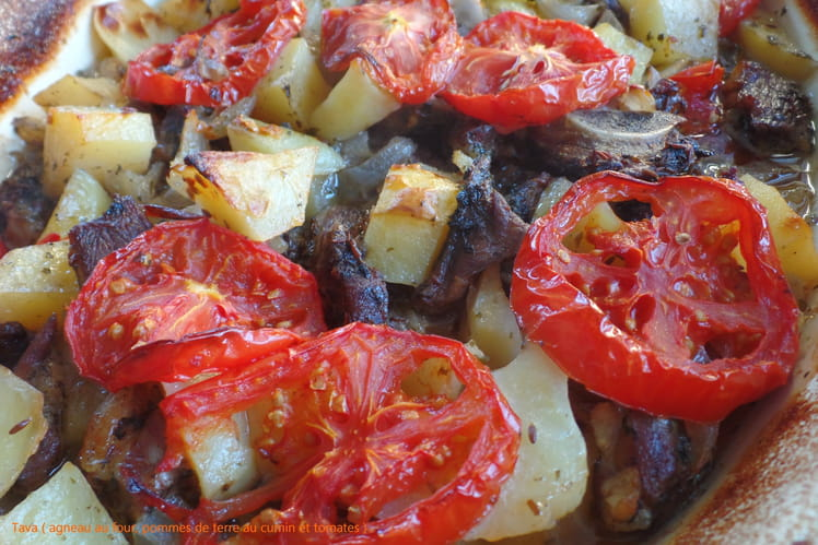 Agneau au four, pommes de terre au cumin et tomates, Tava