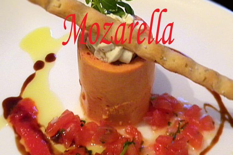 Verrine de tomate, chantilly de mozzarella aux herbes