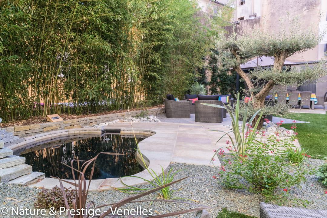 am nager un jardin en longueur. Black Bedroom Furniture Sets. Home Design Ideas