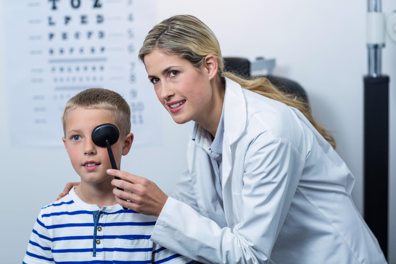 La myopie n'est pas suffisamment dépistée chez les enfants