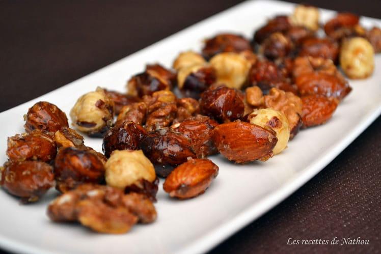 Mélange de noix caramélisées au miel et à la fleur de sel