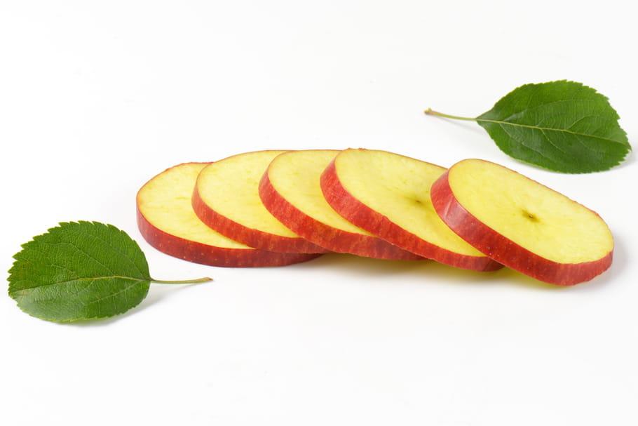 Comment tailler des pommes en rondelles sans emporte-pièce ?