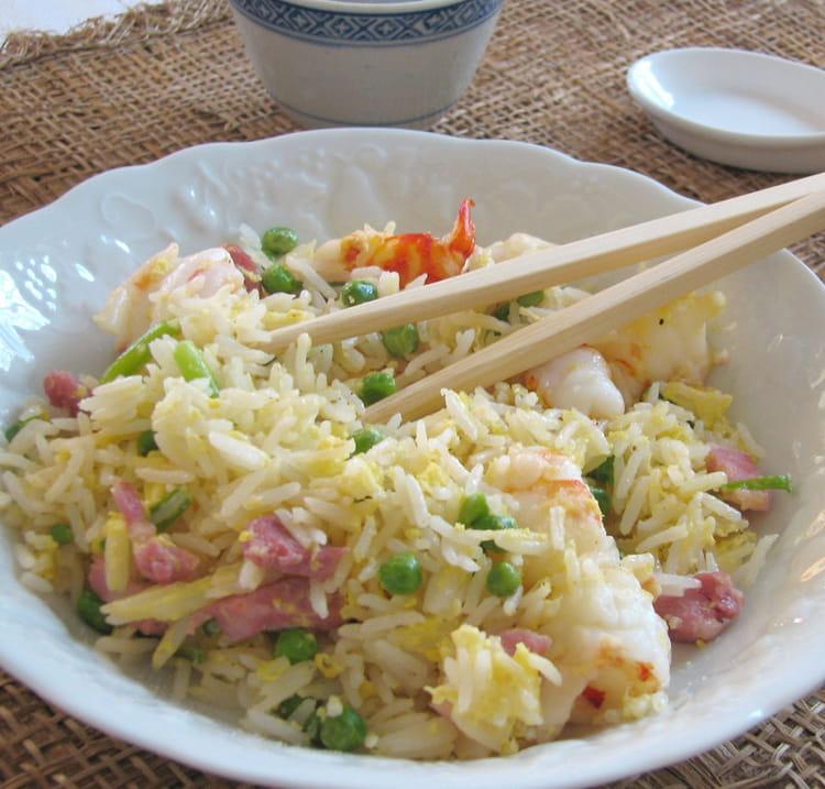 Recette de riz frit la chinoise cantonais la recette - Comment cuisiner des petit pois en boite ...