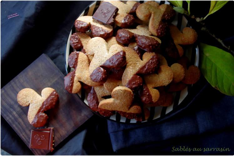 Biscuits sablés à la farine de sarrasin et au chocolat