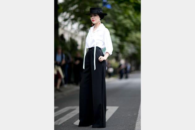 Street style à Paris : le pantalon xxl