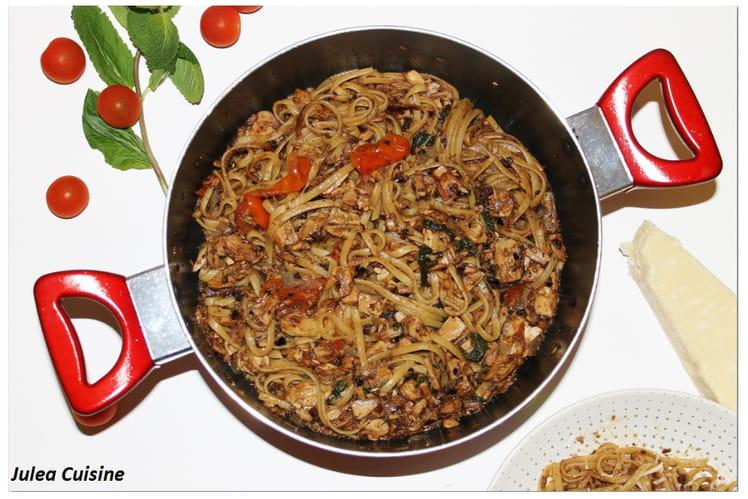 One Pot Pasta de linguine tapenade, thon, tomates cerises