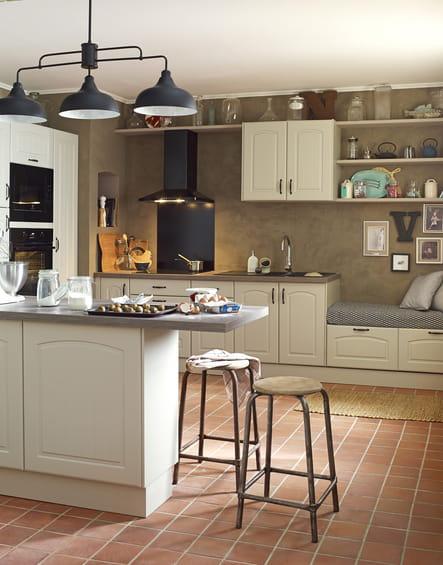 cuisine modulable delinia par leroy merlin cuisine rustique et si on la modernisait un peu. Black Bedroom Furniture Sets. Home Design Ideas
