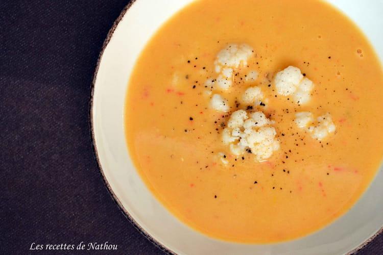 Soupe au chou-fleur, aux 3 poivrons et mascarpone