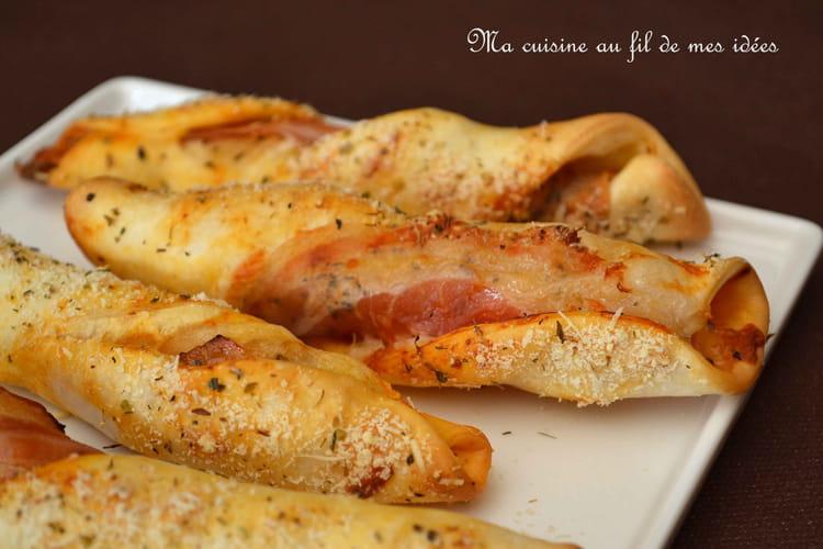Tortillons de pizza à la pancetta, mozzarella et parmesan
