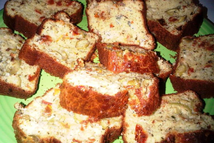 Cake olives, roquefort et tomates séchées