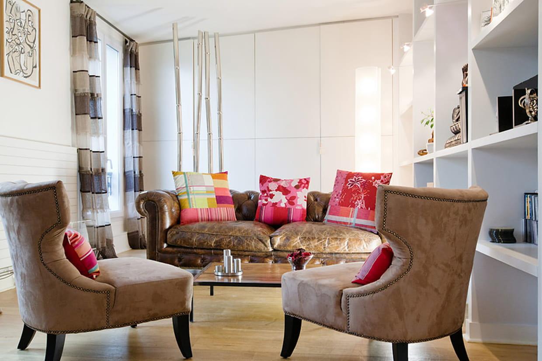 Au premier un petit salon comme une antichambre for Salon petit espace