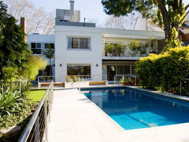 Une maison avec piscine en Argentine