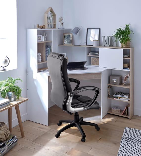 Un bureau d'angle
