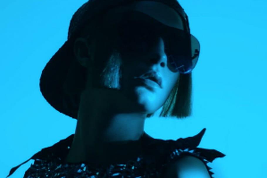 Chanel fait les yeux doux à Cara Delevingne pour sa campagne eyewear
