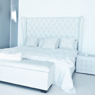 jet de lit blanc de maisons du monde. Black Bedroom Furniture Sets. Home Design Ideas