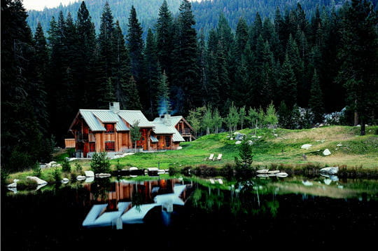 Cabane dans le montagnes