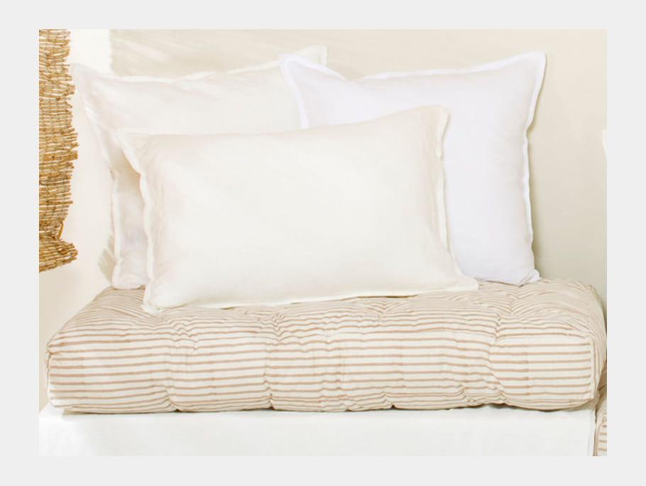 grand coussin matelass le monde sauvage je veux le m me la maison un salon de jardin boho. Black Bedroom Furniture Sets. Home Design Ideas