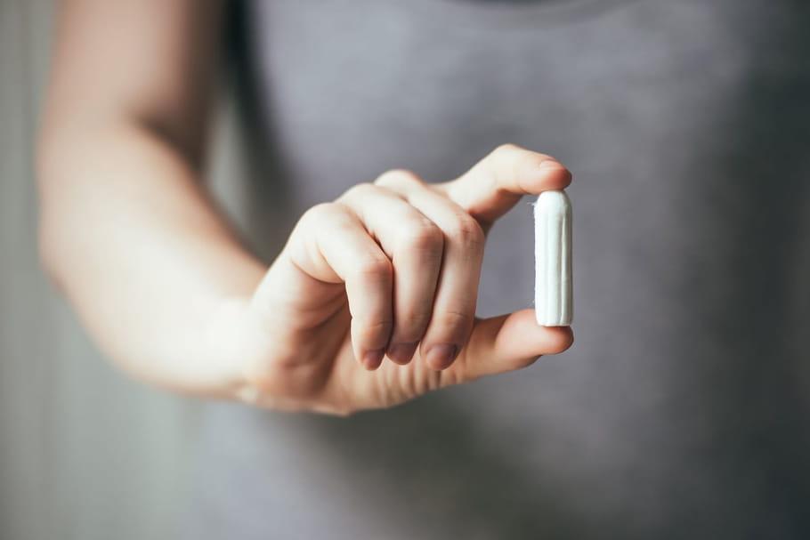 Choc toxique: tampons ou coupes, les risques sont les mêmes
