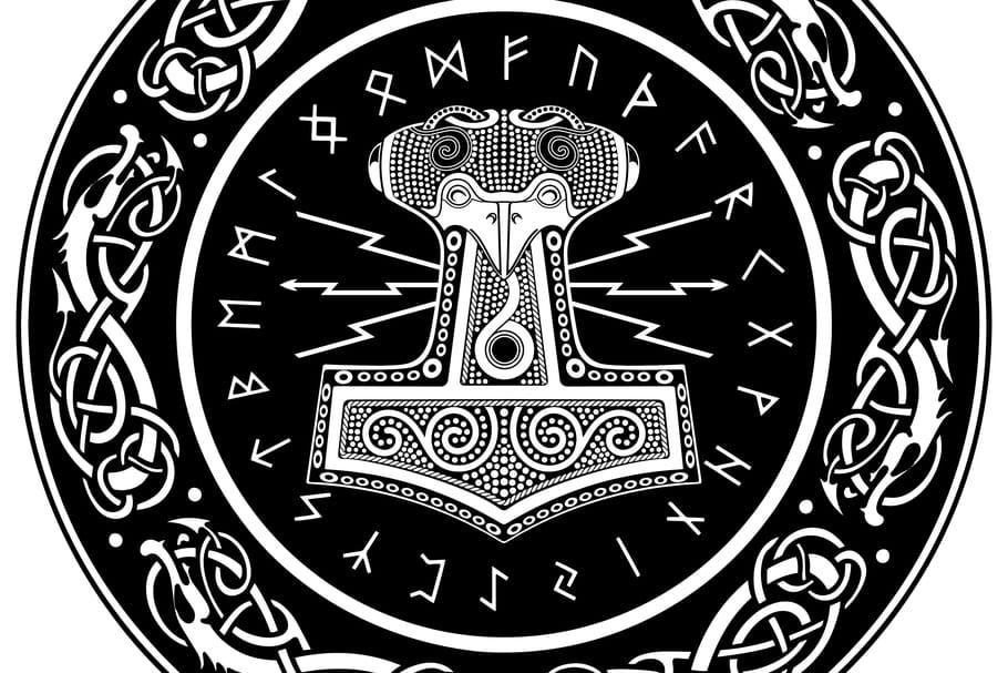 Le tatouage viking au féminin: symboles et significations