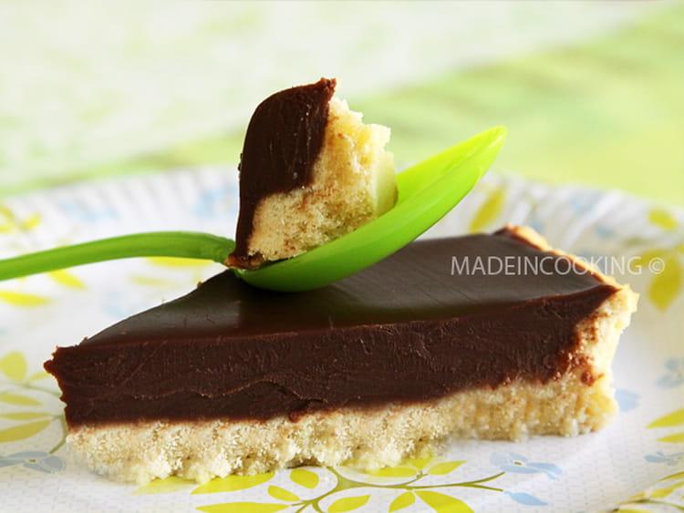 Recette de tarte au chocolat au lait la recette facile - Tarte aux chocolat facile ...