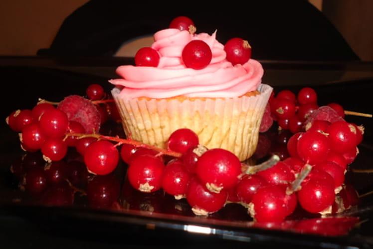 Cupcake à la mangue et aux groseilles